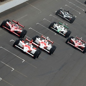 Het asfalt van Indianapolis wacht op rubber