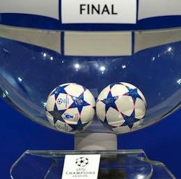 Duitsers grijpen de macht in voetballand