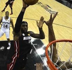 Knock-out: LeBron is de Messie van het basketbal