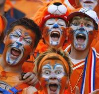 Oranje boven, Oranje onder en uit je oren!